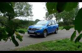 Dacia Logan Stepway, front static 2